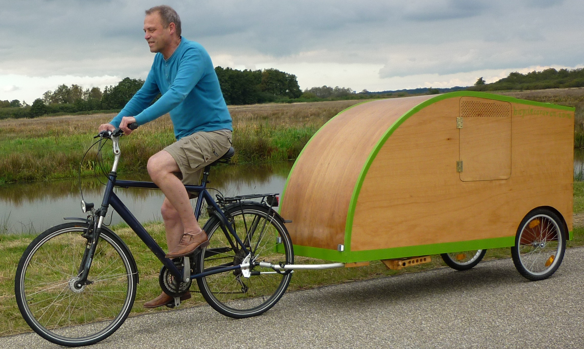 fahrradwohnwagen bicycle caravan. Black Bedroom Furniture Sets. Home Design Ideas