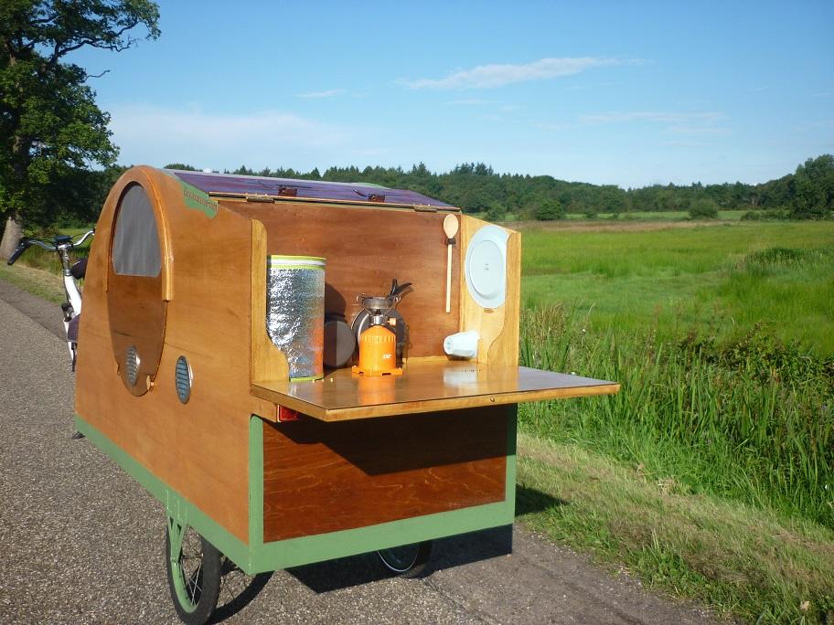 fahrradwohnwagen fahrradkarawane bicycle caravan. Black Bedroom Furniture Sets. Home Design Ideas